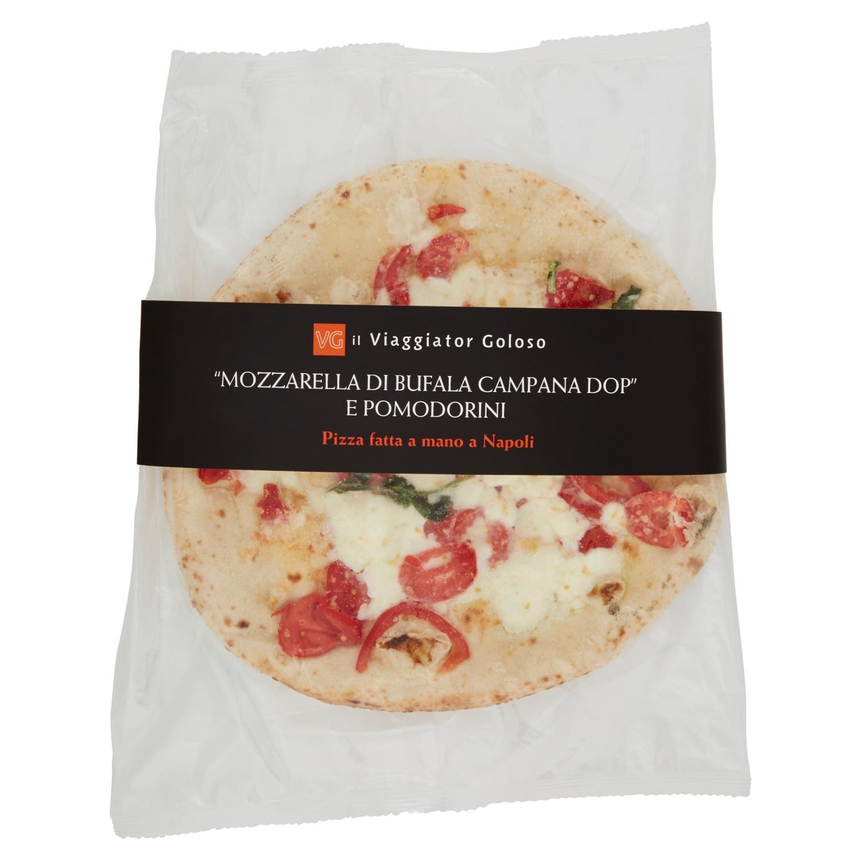 Pizza con mozzarella di bufala campana Dop e pomodorini