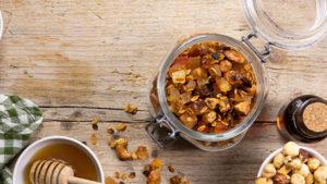 Granola homemade</br>con frutta essicata