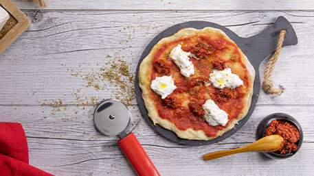 Pizza in padella con 'nduja e stracciatella