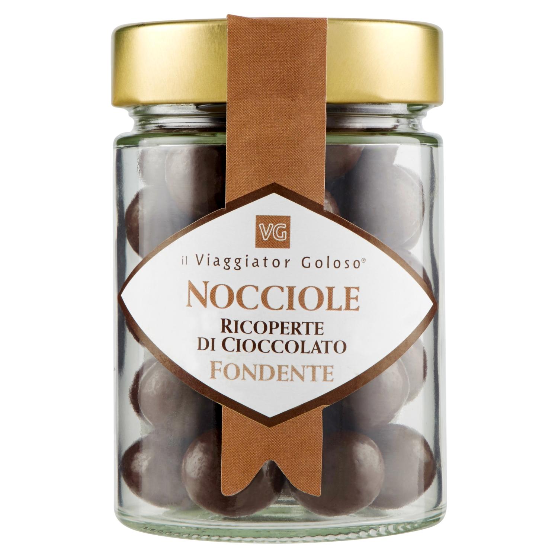 Nocciole ricoperte dal cioccolato fondente